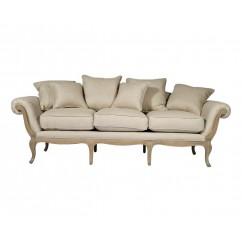 Canapé cosy en lin assez baroque de la collection « Marquise » de  Maison d'un rêve